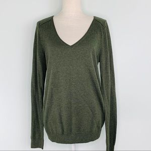 GAP Olive Green V-Neck Sweater Sz L